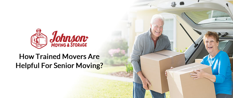 Seniors in Niagara Falls holding moving boxes. Packers and movers in St. Catharines, Ontario.